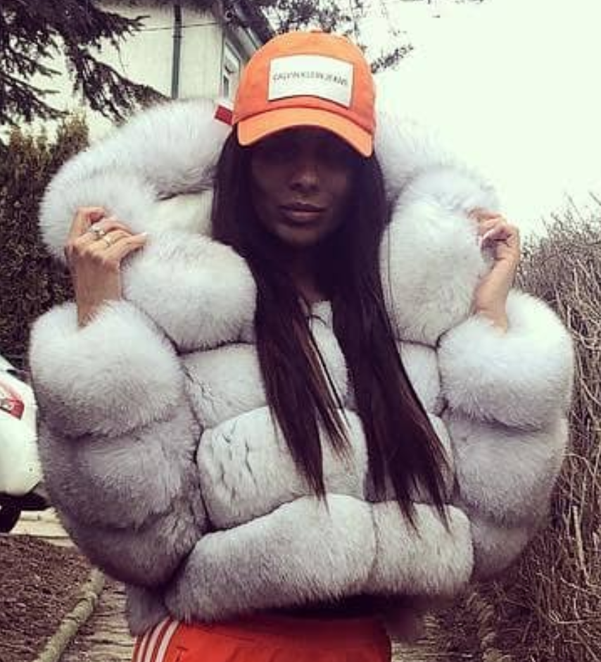pin von stringman auf white fox in 2019 fur fashion fur. Black Bedroom Furniture Sets. Home Design Ideas