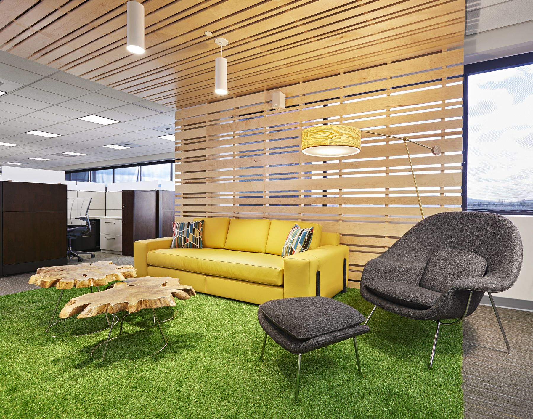 Meeting space with astroturf floors in the office office interior Pinterest