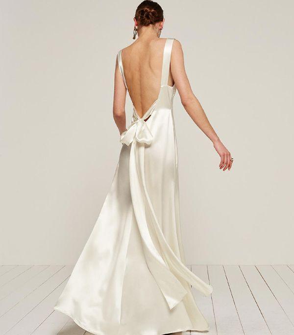 buy online e2583 b1acb L'abito da sposa per il matrimonio in spiaggia | Il ...