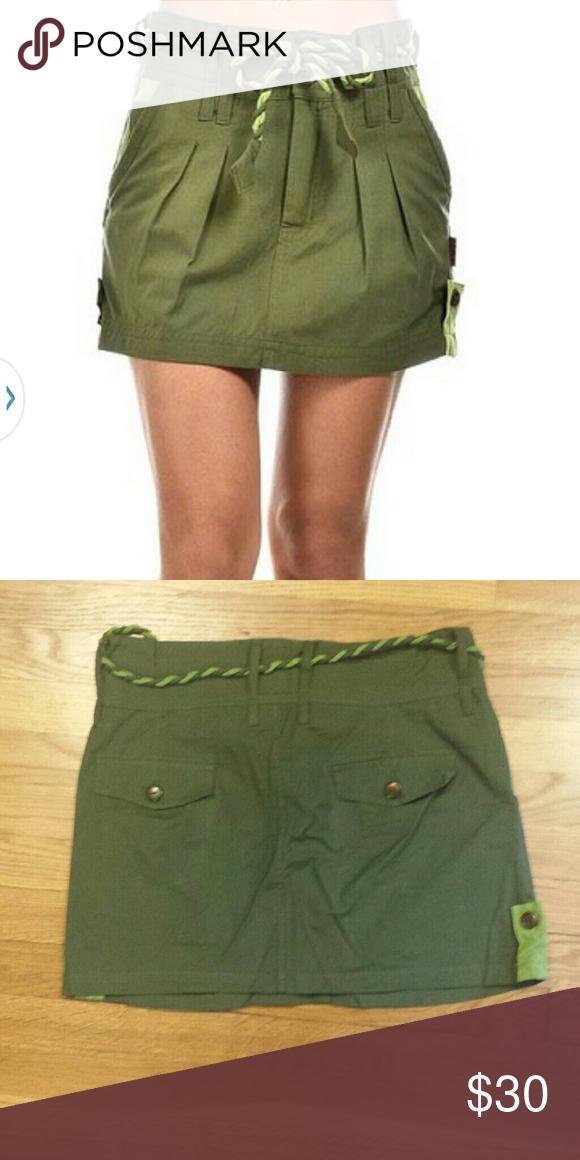 Army Green cargo mini skirt olive adorable couleurs du monde European mini skirt . size large. couleurs du monde Skirts Mini