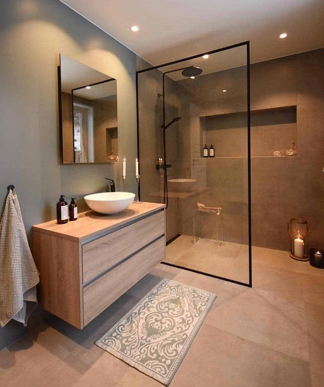 Photo of Industriele badkamer inspiratie met zwart frame inloopdouche
