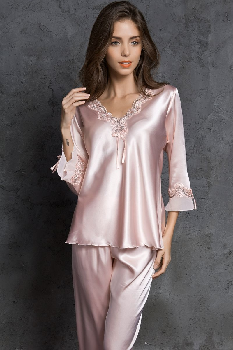 Silk Pajamas Set For Women Sleepwear Silk Sexy V Neck Lace Stitch Pijamas  Ladies Silk Pyjamas Femme Satin Soie-in Pajama Sets from Women s Clothing  ... 7398d4e9b
