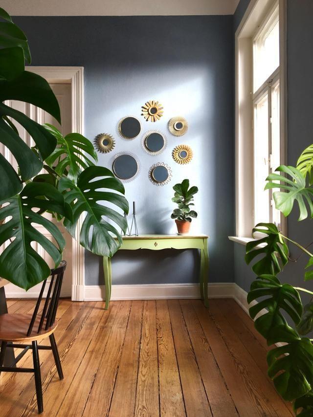 Wunderschöne Wanddeko Bei MiMaMeise Im Esszimmer! #wanddekoration  #gründpflanzen #altbau #holzboden #