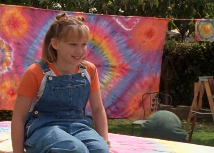 Hilary Duff Just Stole Lizzie McGuire's Overalls #lizziemcguire Pin for Later: Hilary Duff Just Stole Lizzie McGuire's Overalls  Lizzie McGuire was totally a fashion icon to preteens in the aughts. #lizziemcguire