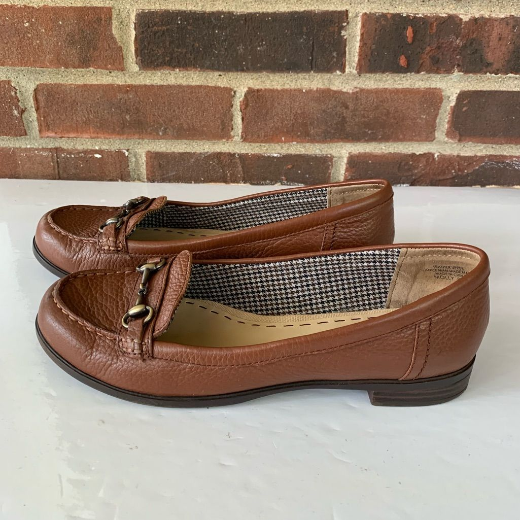 Kelly & Katie Shoes | $35 Like New Kelly & Katie Molly Leather Flats | Color: Brown/Tan | Size: 8.5 Kelly & Katie Shoes | $35 Like New Kelly & Katie Molly Leather Flats | Color: Brown/Tan | Size: 8.5