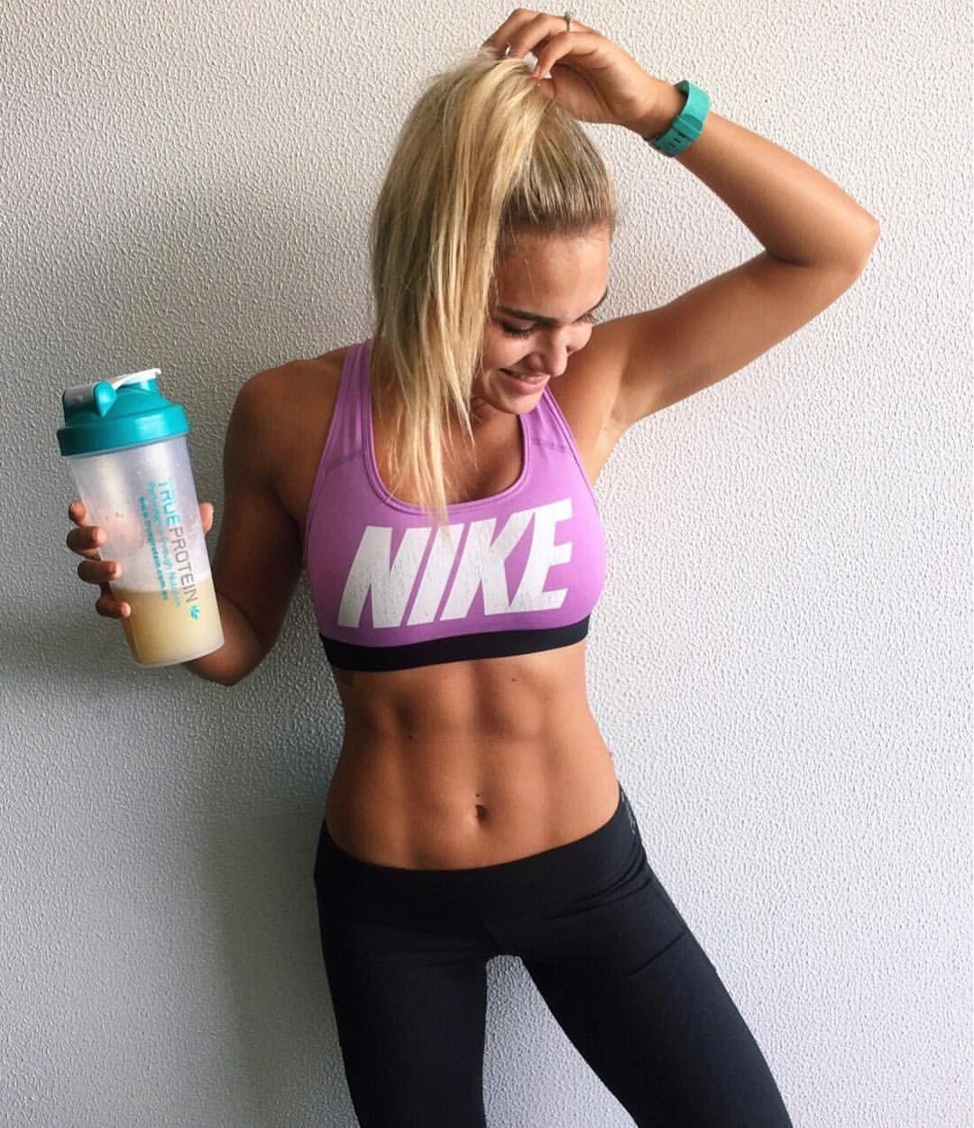 Amazing abs fitspo - Nike sports bra