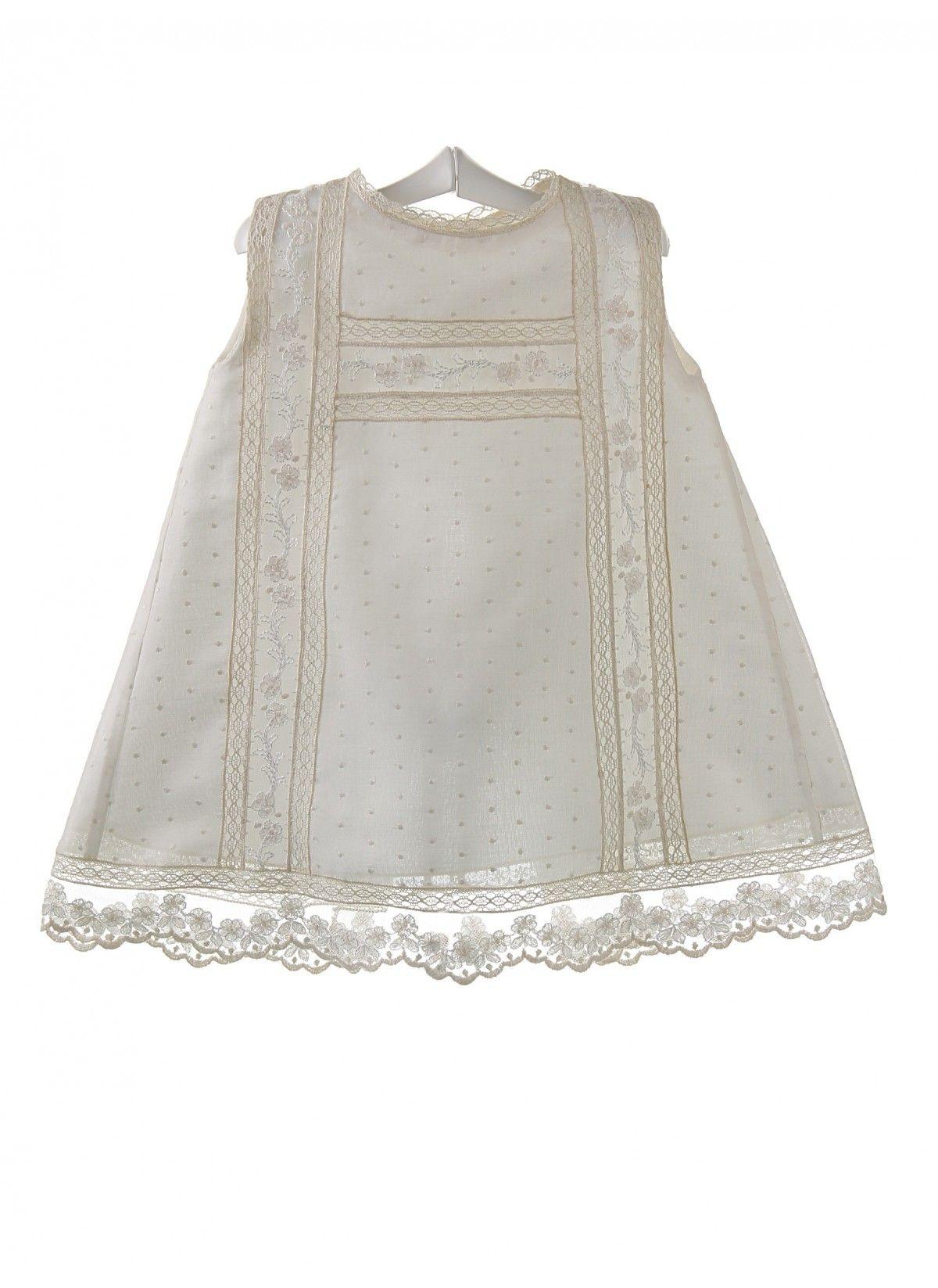 Vestido de plumeti para bautizo y ceremonia de bebé | Pinterest ...