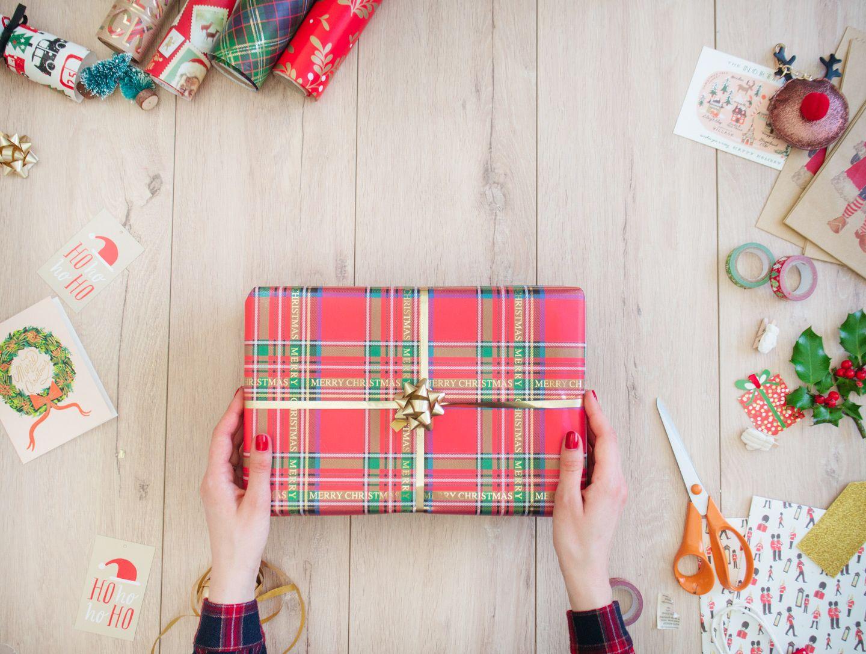Beau paquet cadeau noel