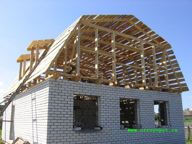 Mansard Roof How To Build And Its Advantages Disadvantages Timber Frame Construction Gambrel Style Mansard Roof