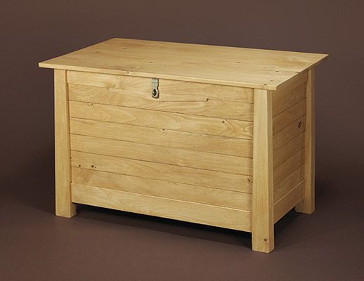 Build a New England Pine Blanket Chest with Minwax (Free ...