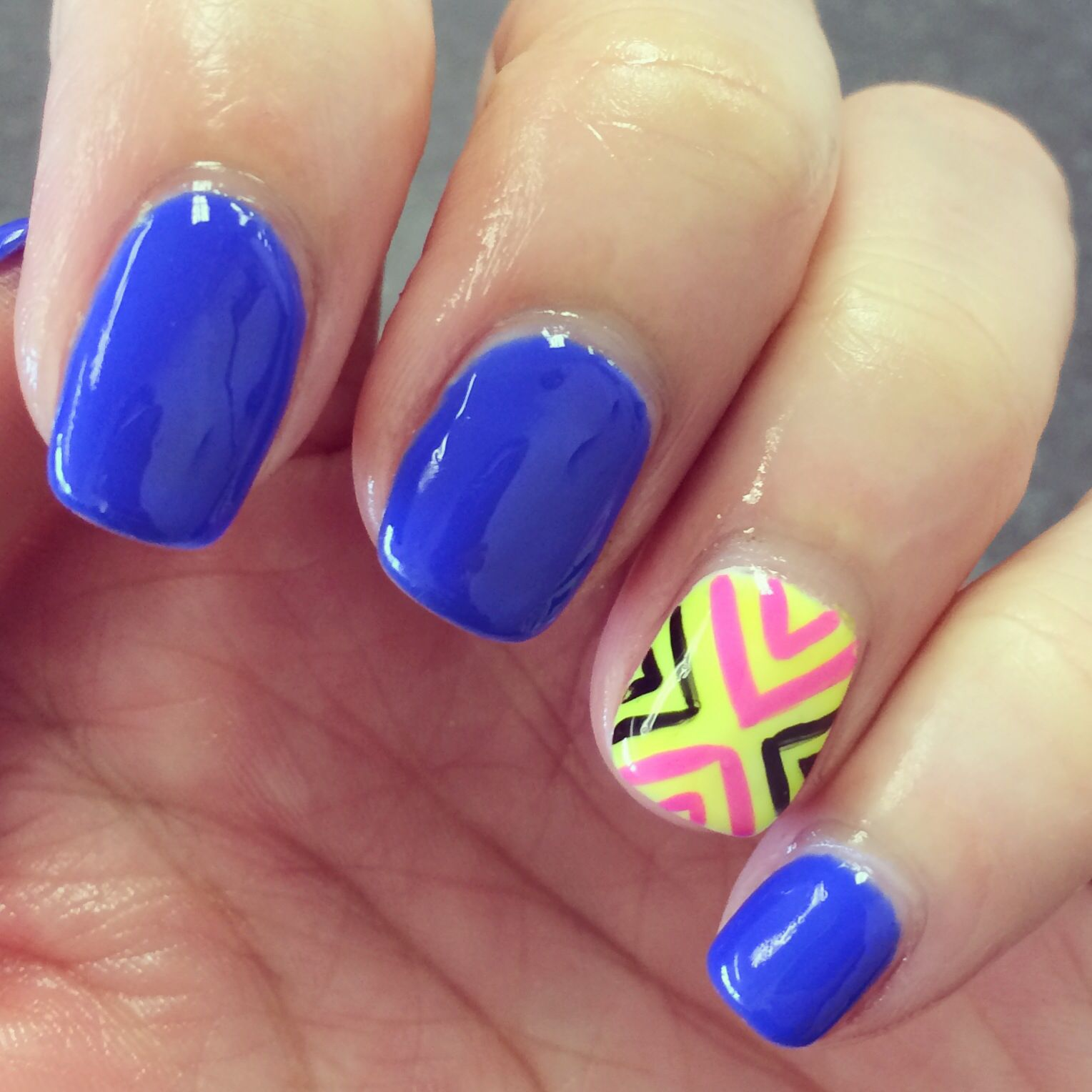 royal blue nail art design fashion