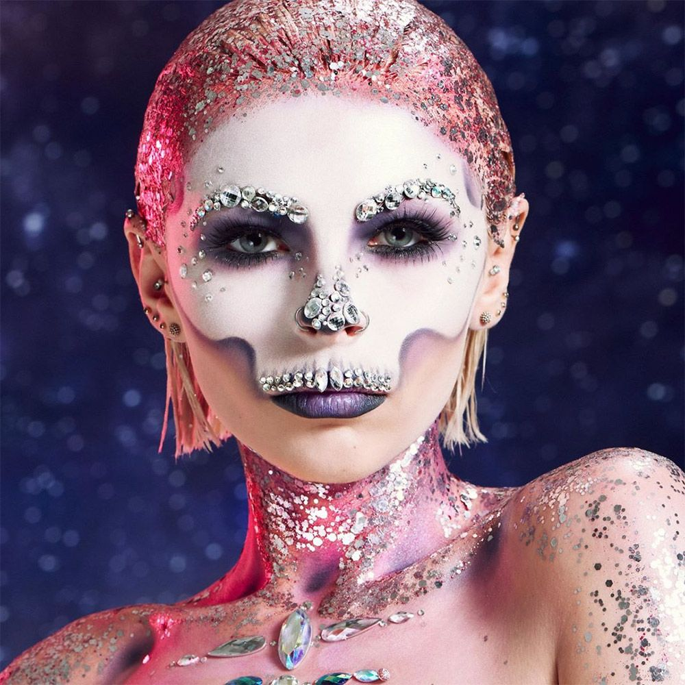 Watch 25 Mind-Blowing Halloween Makeup Looks video