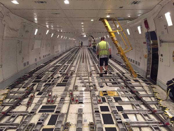 Ups boeing freighter interior also dwight higley dwightehigley on pinterest rh