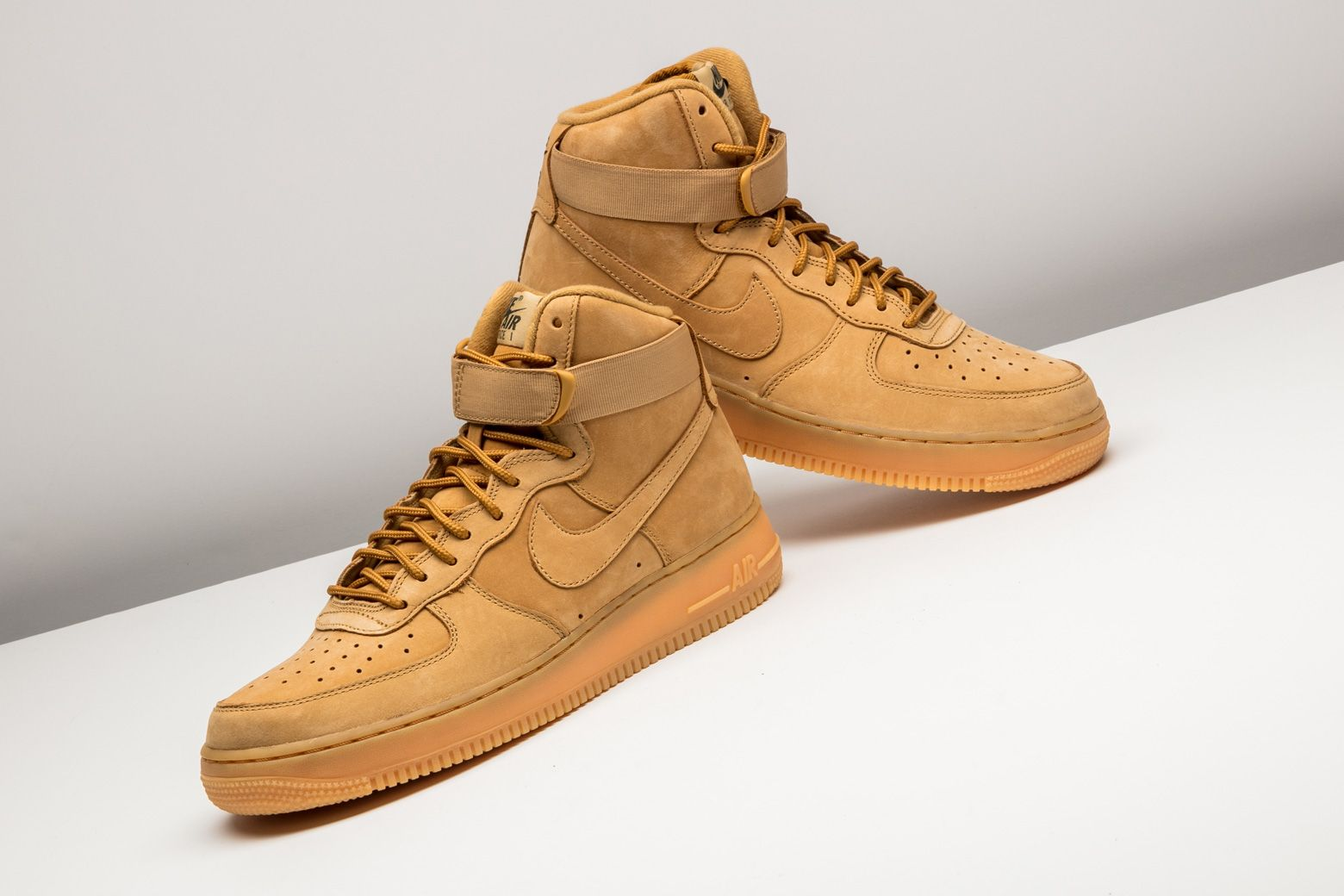 Nike Air Force 1 High '07 LV8 WB - 882096 200