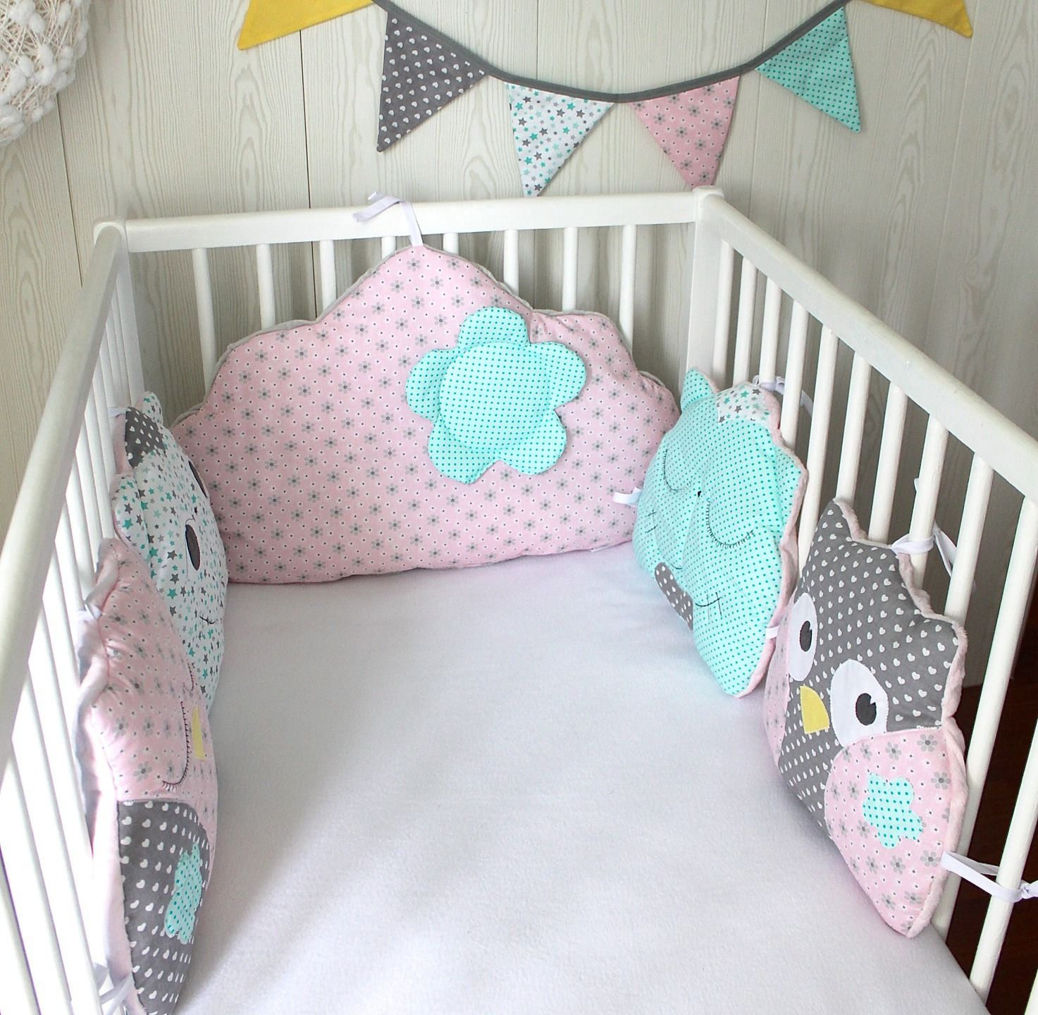 tour de lit 5 coussins chat et hibou ou chouette et nuage couleur au choix baby pinterest. Black Bedroom Furniture Sets. Home Design Ideas