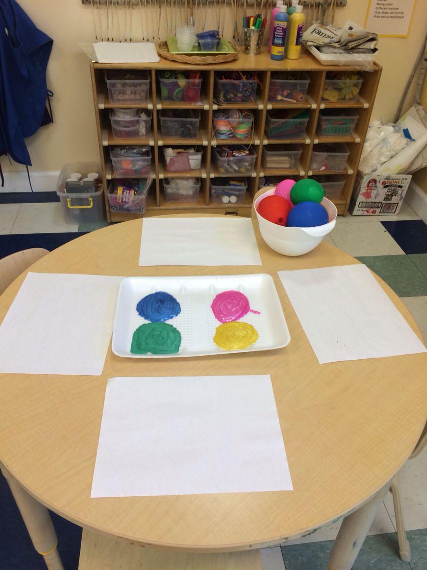 Noach! Water balloon painting!