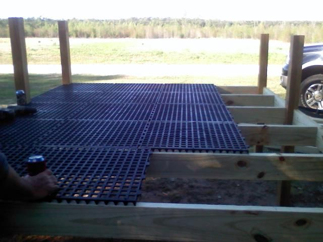 Above Ground Dog Pen (In Progress) PICS UPDATED   Georgia Outdoor News  Forum The Grate Is Greenhouse Tabletop Flooring, And Is Rot Proof And Inorgu2026