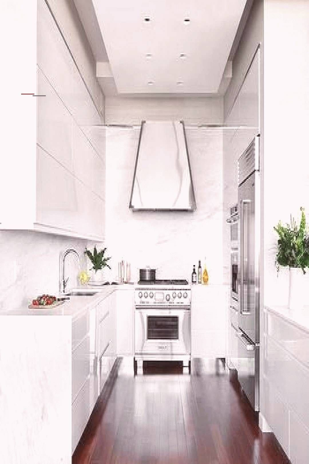 Glossy White Lacquer Cabinets With White Quartz Waterfall Countertop Glossy White Lacquer Cabinets Waterfallcountertop En 2020 Modelos De Cocinas Cocinas Casitas
