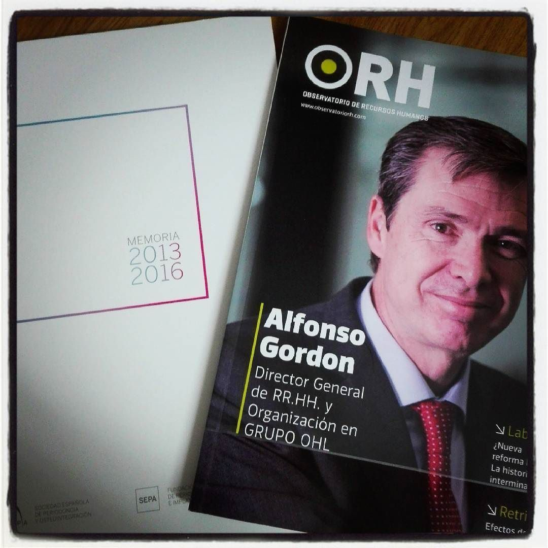 Hoy el buzón ha venido cargadito con @SEPAperiodoncia y @ORH_RH #leer #RRHH #cosasdecasa