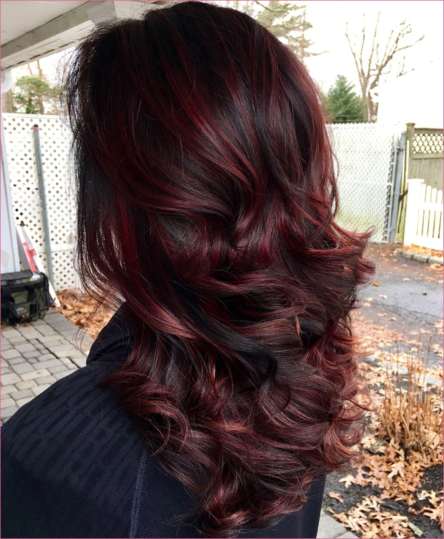 Haarfarbe Ombre In 2020 With Images Burgundy Hair Black Hair