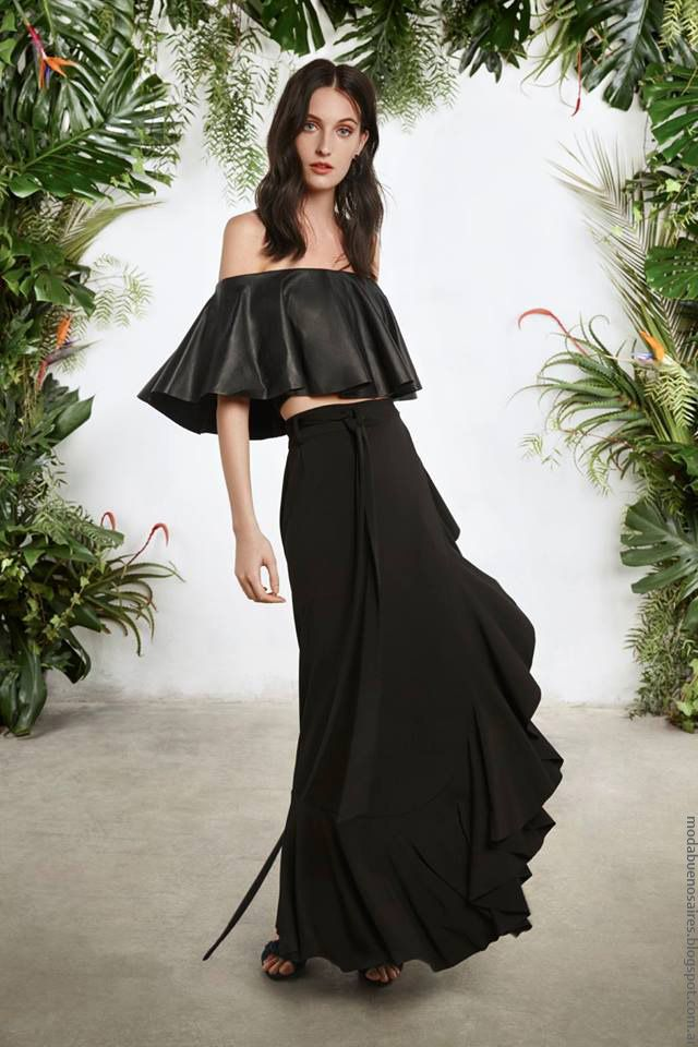 5a9a66308 Faldas de moda con volados primavera verano 2017 María Cher.