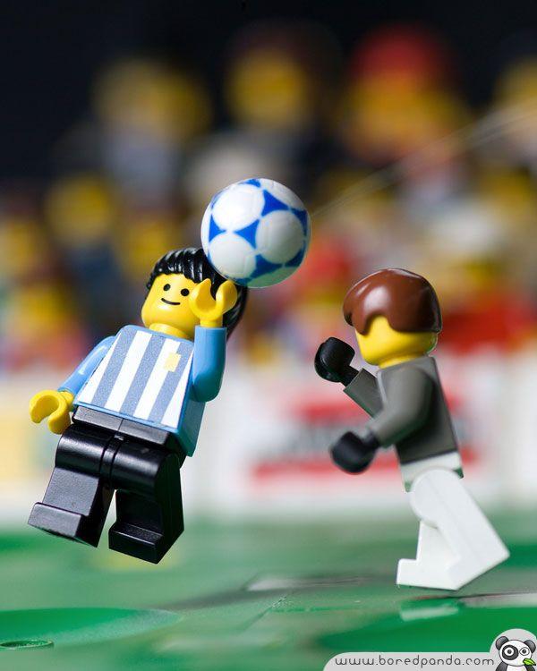 Scènes nagespeeld in Lego.