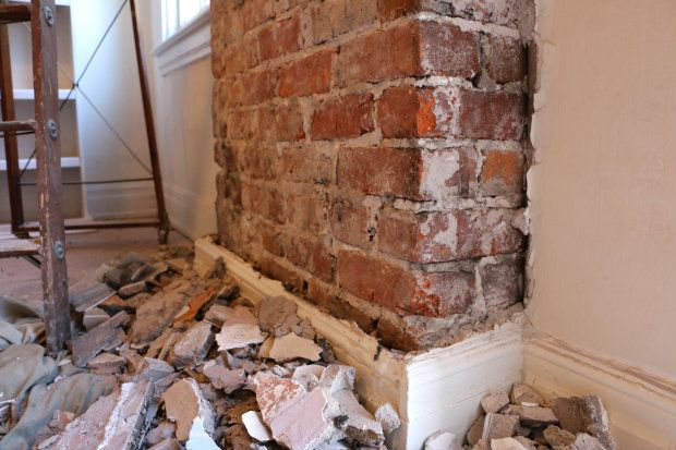 How To Remove Plaster From A Brick Chimney Ehow Brick Chimney Brick Projects Kitchen Chimney