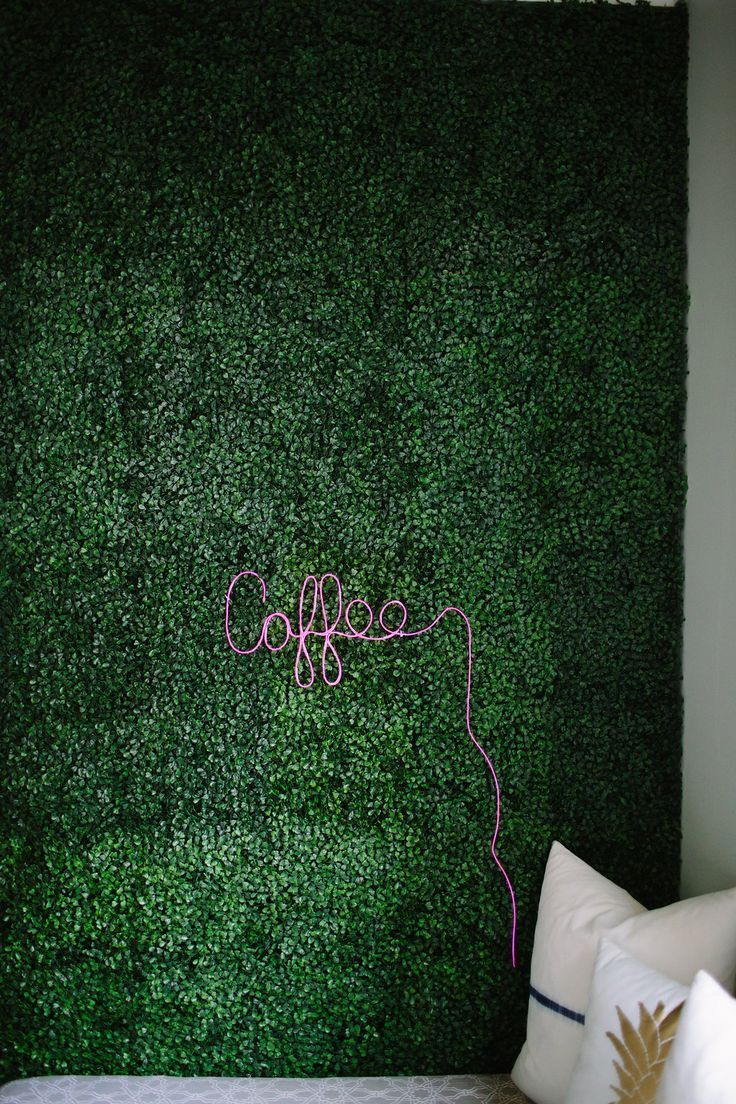 Artificial boxwood accent wall diy neon sign httpwww artificial boxwood accent wall and diy neon sign the first time i came across an interior artificial boxwood wall i knew i had to have it in my house solutioingenieria Gallery