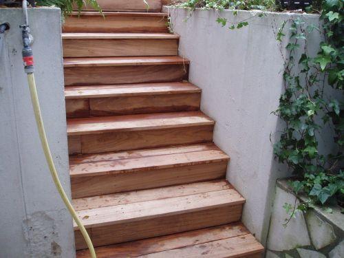 Faire Un Escalier En Teck FSC Pour Recouvrir Escalier Existant