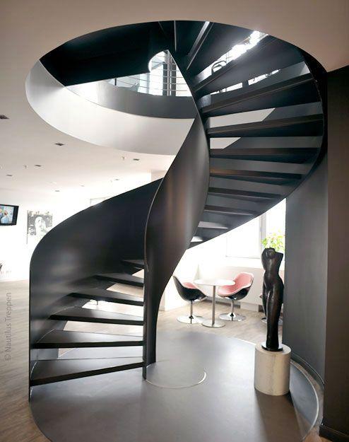 Moderne Wendeltreppe der Firma Nautilus #Wendeltreppe Stairs - exklusives treppen design
