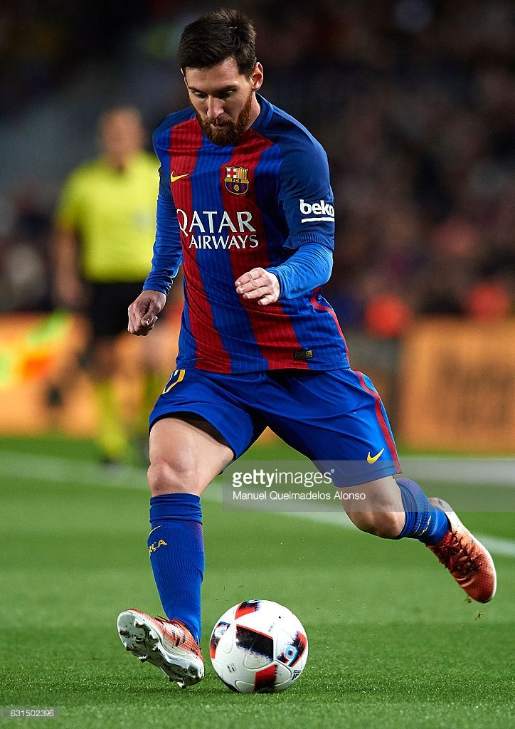 Lionel Messi of Barcelona in action during the Copa del Rey Round of 16 Second Leg match between FC Barcelona and Athletic Club at Camp Nou on January 11, 2017 in Barcelona, Spain.