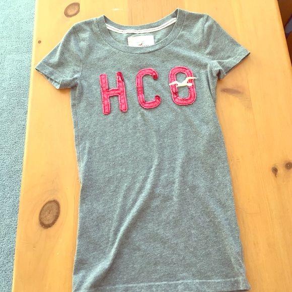 Hollister T-shirt Short sleeve gray t-shirt. Excellent condition. Size XS. Hollister Tops Tees - Short Sleeve