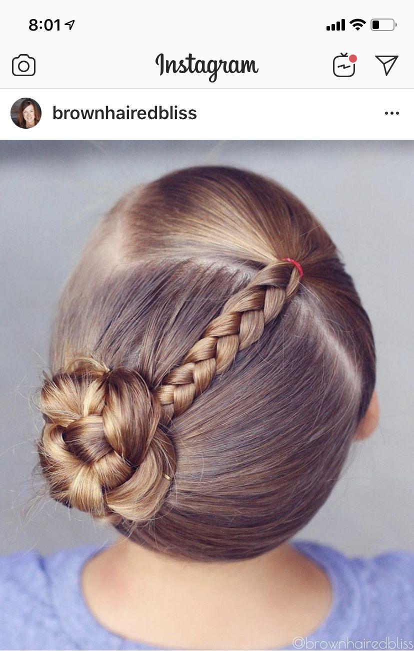 Pin De Karenzita En Peinados Bonitos Kristen Peinados Infantiles Peinados Cabello Corto Nina Peinados Sencillos