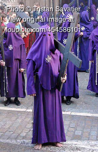 Traditional processions during the Semana Santa (Holy Week) in Sevilla, Spain.  Andalucía, Capirotes, Cofradía, Easter, El Valle, españa, Hermandad del Valle, Nazarenos, parade, procesión, Procession, religion.