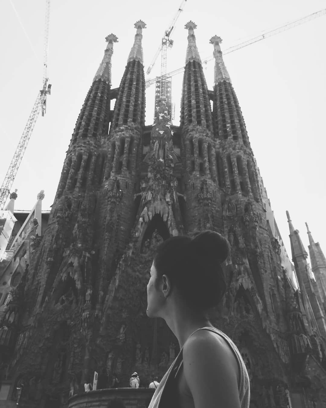 And you and I We're flying on an aeroplane tonight We're going somewhere Where the sun is shining bright Just close your eyes And let's pretend we're dancing in the street In Barcelona... . .  Ed Sheeran-Barcelona . . . #instagram #fotografia #foto #picture #picoftheday #instapic #igers #igersspain #igersbarcelona #barcelona #bcn #sagradafamilia #blackandwhite #blancoynegro #lovelyplace #instamoments #vivalavida  #viajedelos30