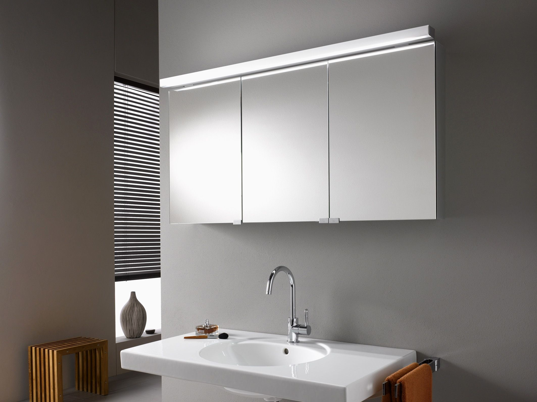 21 Inspirational Long Mirrored Bathroom Cabinets Jose Style And