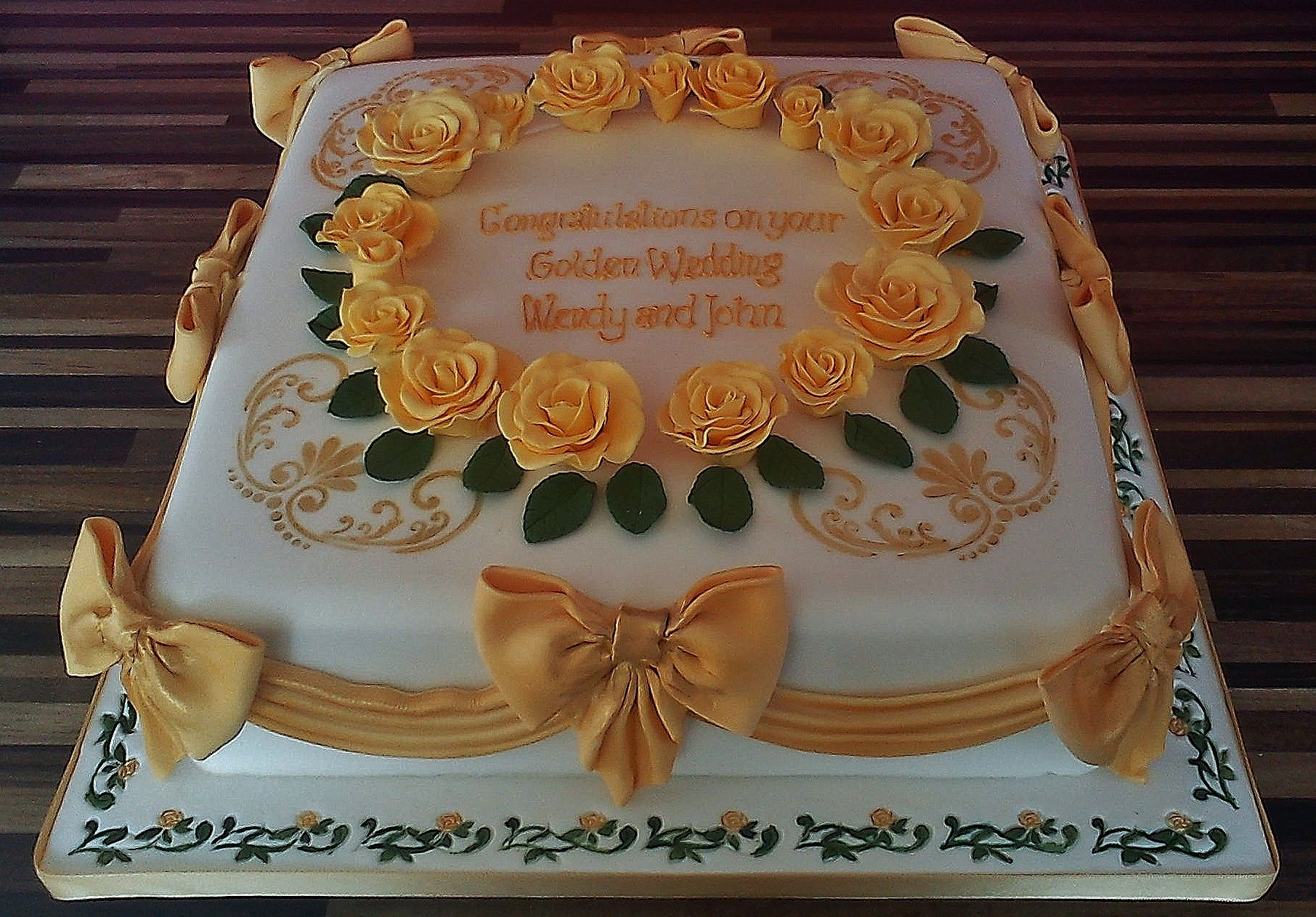 A very traditional and decorative design anniversary cakes