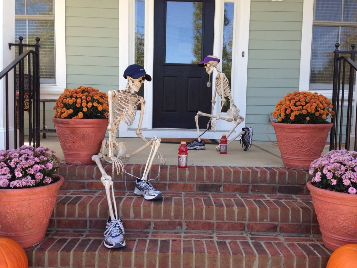 halloween front porch decorations out for a run