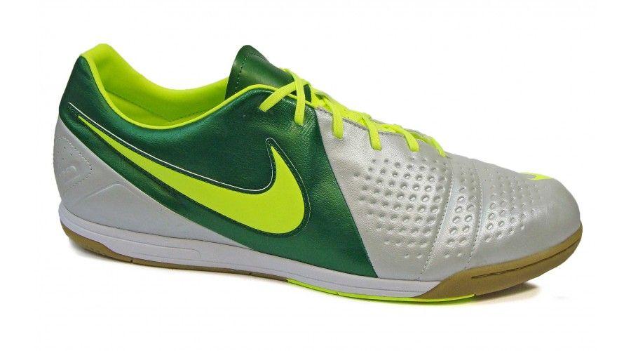 new style 385bc a9a57 Fútbol indoor Nike CTR360 Fabricadas enteramente en cuero con interior  acolchado. Media suela de caucho amortiguante. Suela con grabado en espiga  de muy ...