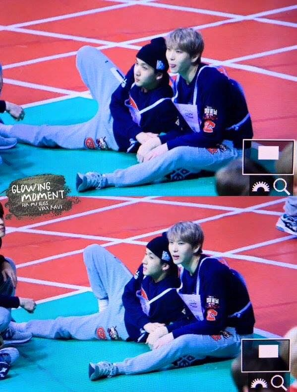 This sneaky couple.. even in ISAC XD