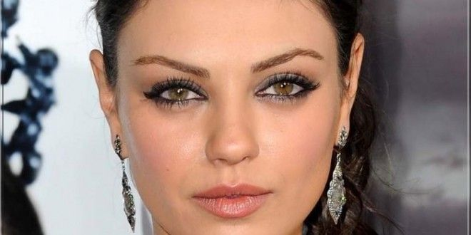 mila kunis with different colored eyes what makes you different makes you special pinterest. Black Bedroom Furniture Sets. Home Design Ideas