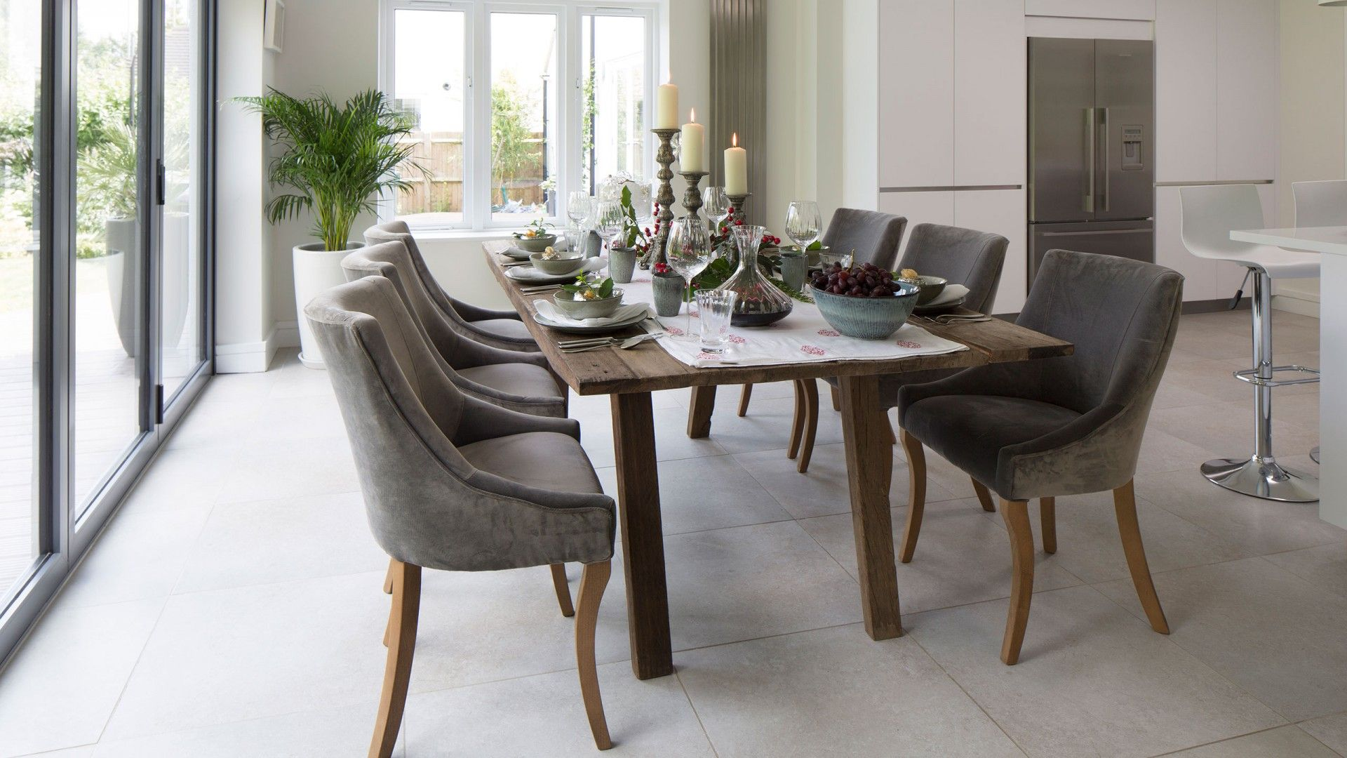 Grey Modern Dining Room with Velvet Chairs