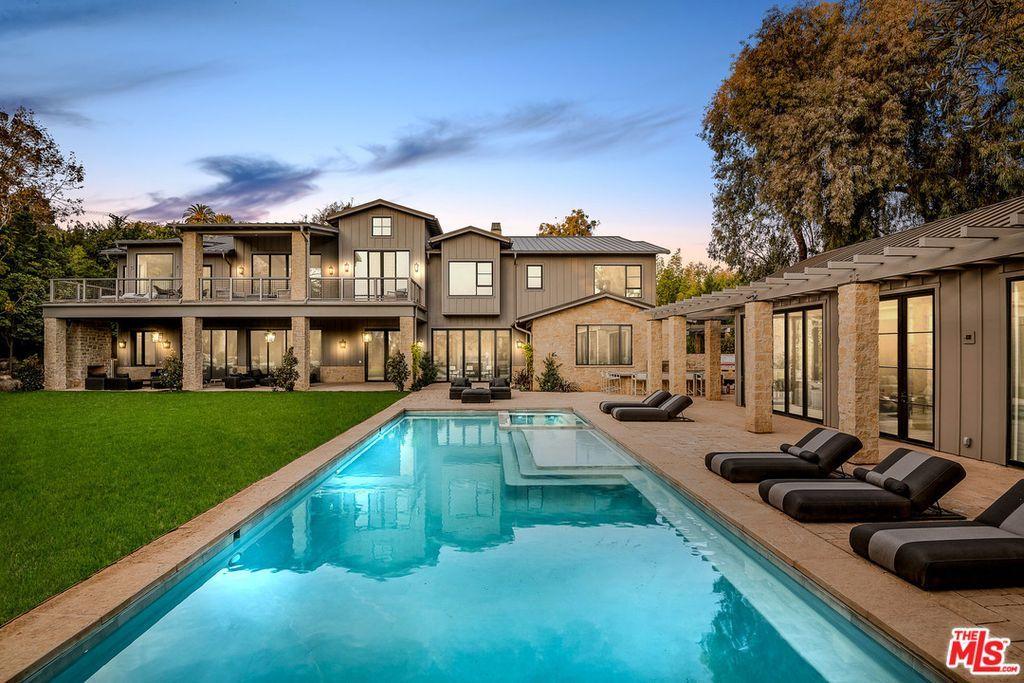 1707 Westridge Rd Los Angeles Ca 90049 Mls 18412724 Zillow Los Angeles Real Estate Modern Farmhouse California Real Estate