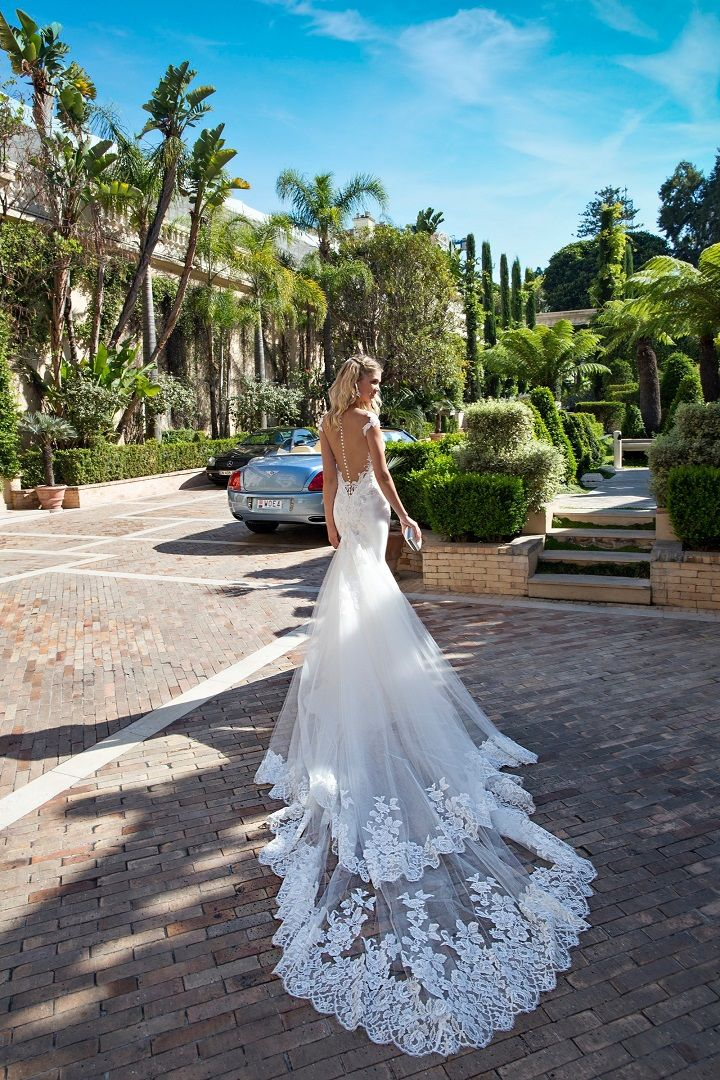 A-line wedding dress | fabmood.com #weddingdress #weddingdresses #bridalgown #weddinggown #weddinggowns #aline