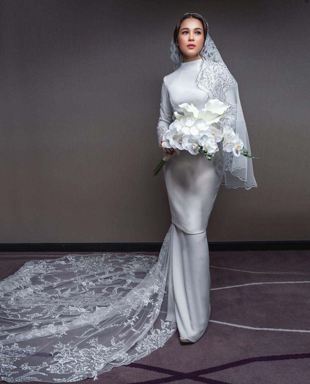 Baju akad nikah emma maembong in 9  Nikah dress, Nikah outfit