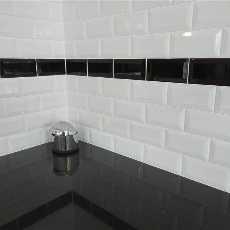 La Salle De Bain En Noir Et Blanc Masalledebain Com Retro Bathrooms Bathroom Bathroom Design