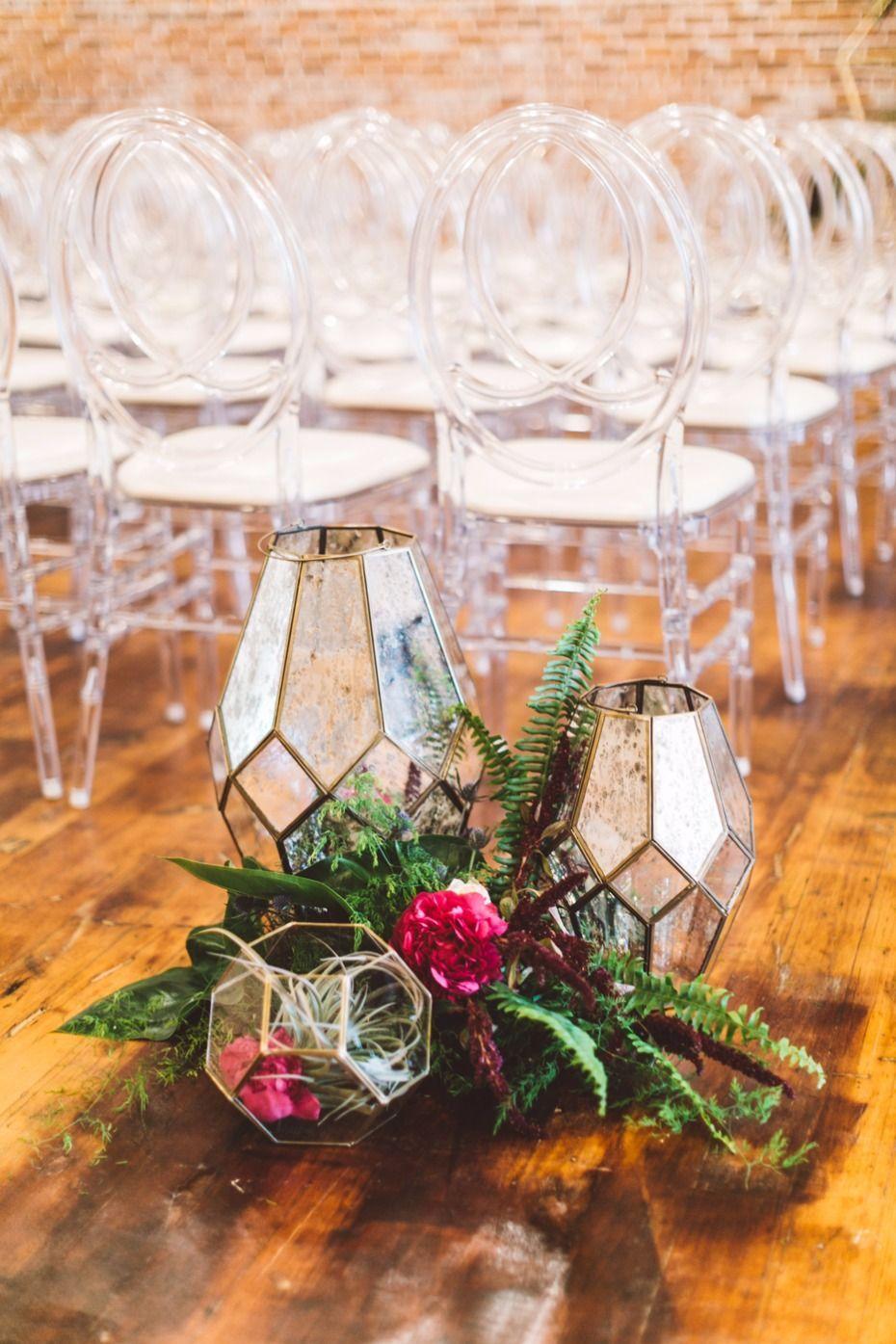 Modern tropical ceremony decor | Shabby chic wedding decor ...