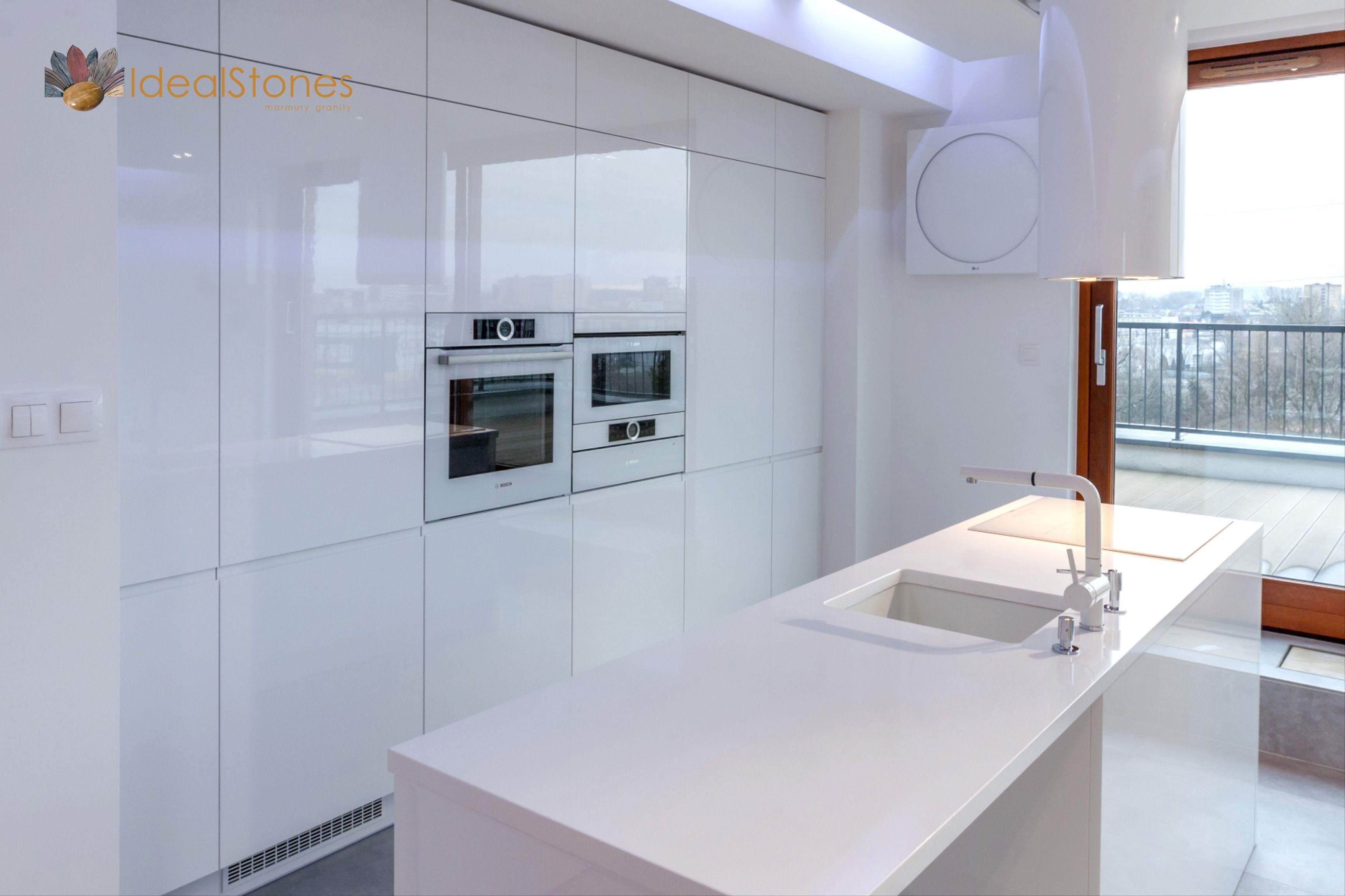 Blat Na Wyspe Kuchenna Z Bialego Kwarcytu Ideal Bianco Lighted Bathroom Mirror Bathroom Mirror Bathroom Lighting