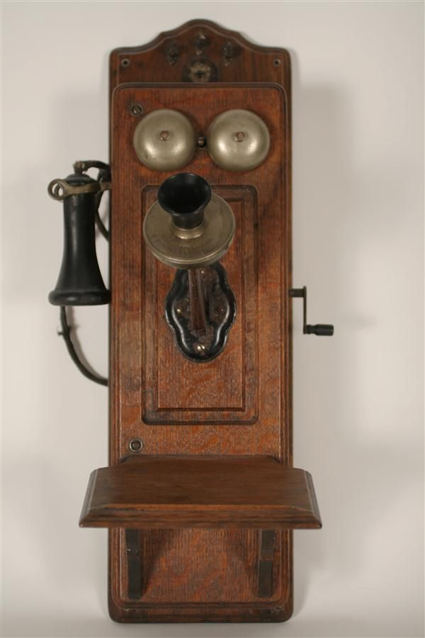 Antique Phones Before My Time But Would Be Nice To Own One