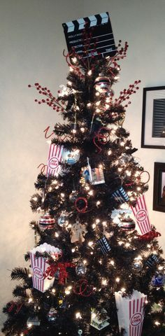 movie themed christmas tree - Google Search   Christmas for me ...